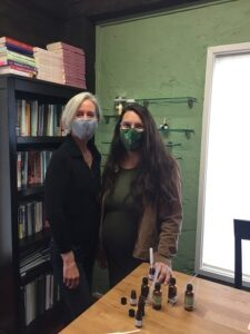 Caroline Larrieu Casias and e3's Lakita Dunkers create essential oil blends for mental health wellness monthly themes. What a great idea!