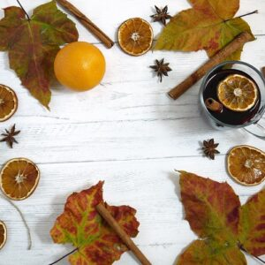 Try e3's DIY Autumn essential oil recipes for making your house smell like Fall.