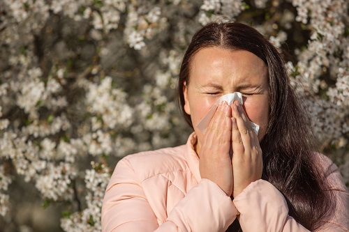 e3's pure essential oils with antihistamine properties easily permeate nasal cavities to promote drainage, soothing seasonal allergy symptoms.