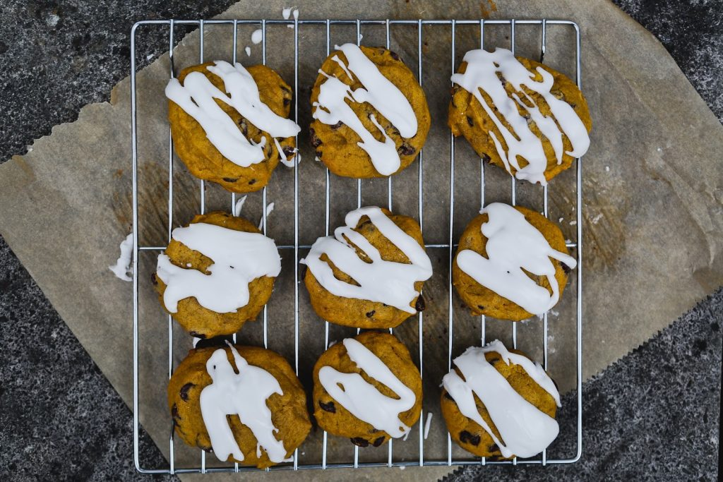 Sue Dwiggins teaches recipes for baking old-fashioned soft pumpkin cookies with essential oils safely and deliciously.